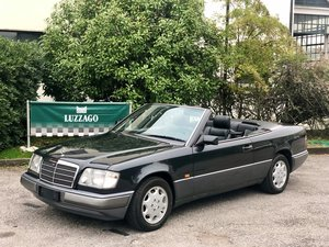 Picture of 1992 Mercedes Benz - Classe E 200 V16 Cabriolet For Sale