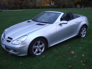 Picture of 2005(05) Mercedes SLK280 3.0 Convertible only 33500 miles