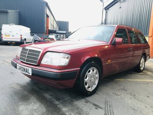 Picture of 1994 MERCEDES E220 AUTO TE ESTATE W124 For Sale