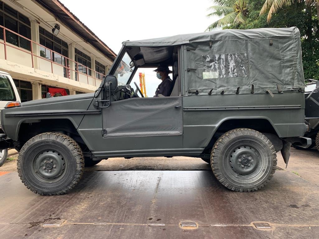 1987 Mercedes Benz G240 Jeep Complete with Doors/Roof For Sale (picture 1 of 2)
