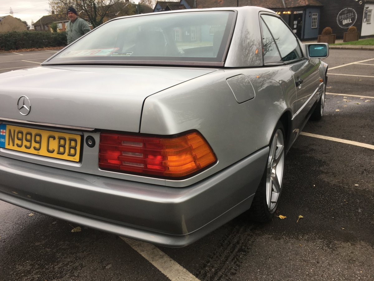 1995 Outstanding Mercedes SL320 For Sale (picture 3 of 6)