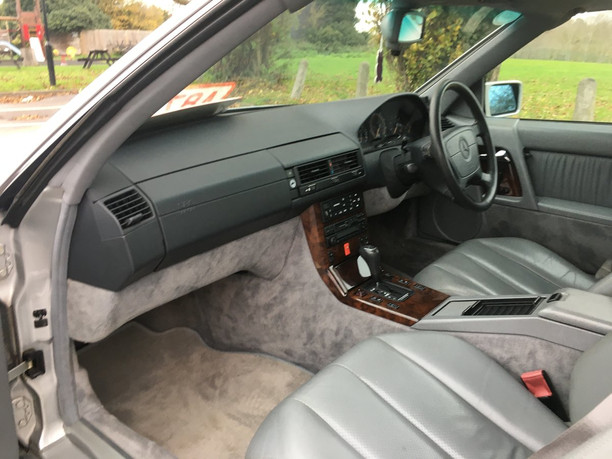 1995 Outstanding Mercedes SL320 For Sale (picture 4 of 6)