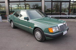 Picture of 1989 Mercedes benz e 200 only 1.783 km from new For Sale