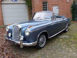 Mercedes-Benz 220 S - gorgeous convertible in mint condition