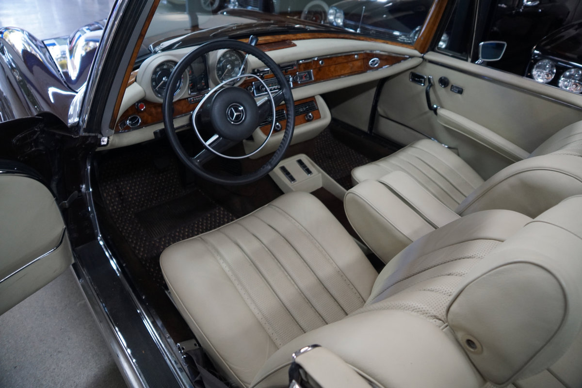 1971 Mercedes-Benz 280SE 3.5 V8 Cabriolet with factory AC For Sale (picture 5 of 6)
