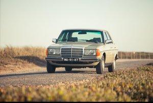 Mercedes w123 230E