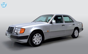 Picture of 1992 Mercedes 260E auto just 3 owners lots of history For Sale