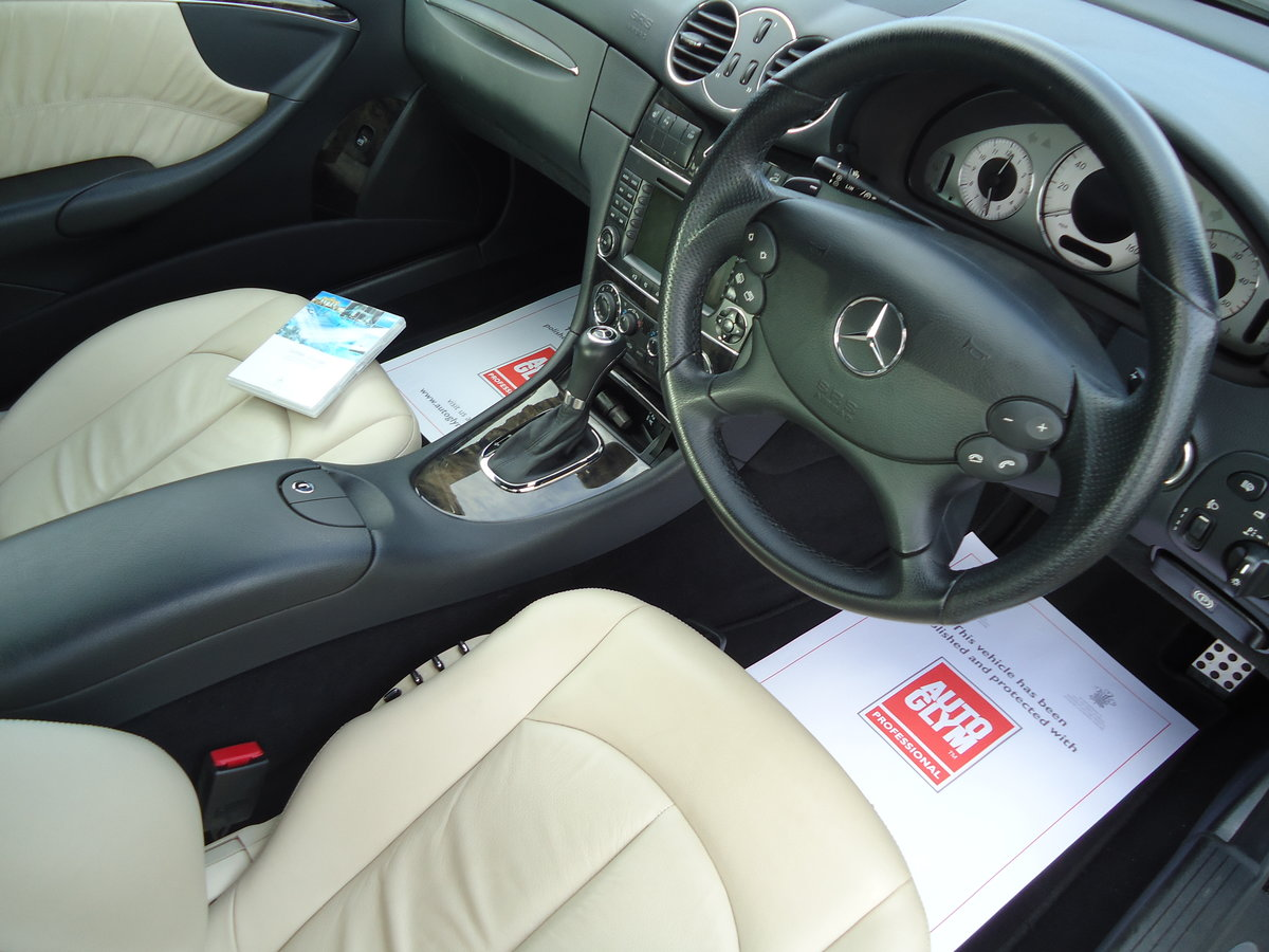 0757 EXTREMELY LOW MILEAGE CLK CDi SPORT WITH COMMAND & AMG PACK For Sale (picture 3 of 7)