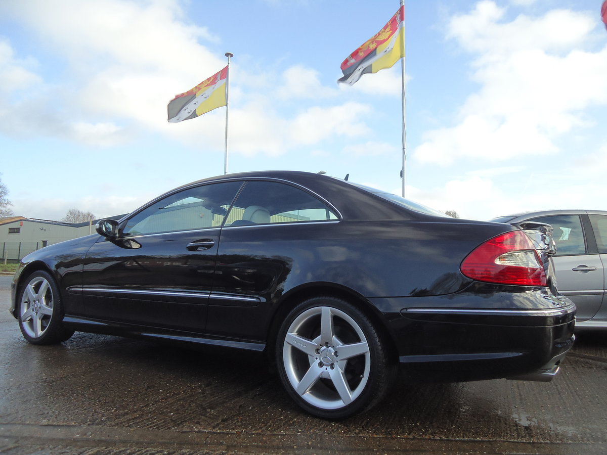 0757 EXTREMELY LOW MILEAGE CLK CDi SPORT WITH COMMAND & AMG PACK For Sale (picture 6 of 7)