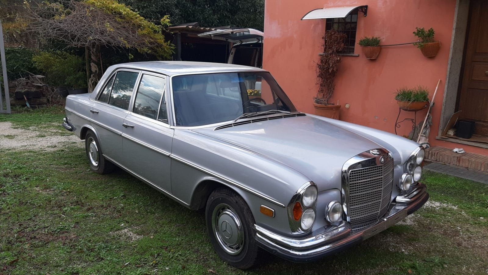 1972 RARE MERCEDES BENZ W108 280 SE  3.5 Saloon LHD For Sale (picture 1 of 12)