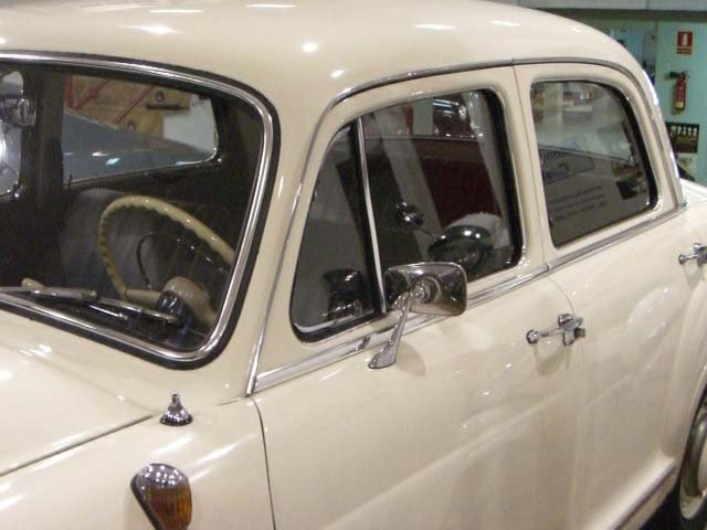 MERCEDES BENZ 190 B PONTON W121 - 1961 For Sale (picture 7 of 12)