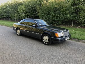 Mercedes w124 300CE Coupe Blue black 199 Cruise co