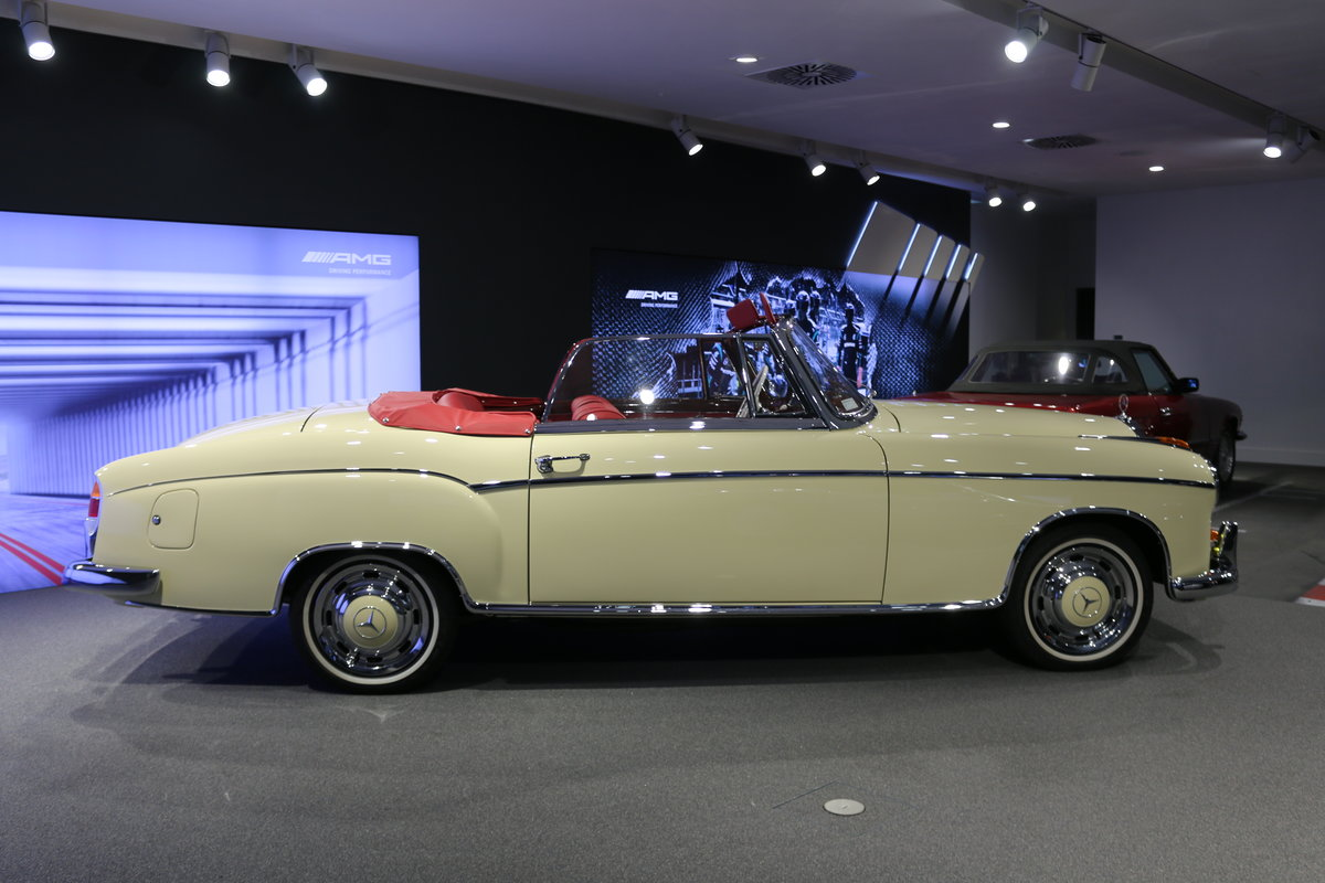 1960 Mercedes 220SE Hydrak Cab. 1 of 20 produced! RESTORED For Sale (picture 5 of 12)