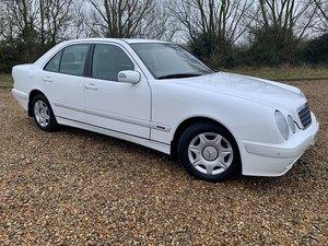 Picture of 2000 Mercedes-Benz W210 E220 CDi E-Class Automatic Saloon For Sale
