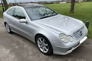 Picture of 2004 Mercedes Benz C220 CDI SE Coupe Auto 143BHP For Sale