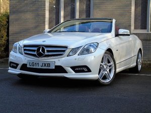 Picture of 2011 Mercedes-Benz E Class 3.0 E350 CDI BlueEFFICIENCY Sport Cab For Sale