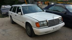 Picture of 1990 Mercedes Benz 250 d w124 For Sale
