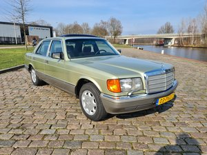 Picture of Mercedes 300 SE green metallic 1986 automatic.   10500 euro For Sale