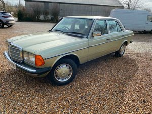 Picture of 1985 Outstanding Show Quality Mercedes W123 230E Auto For Sale