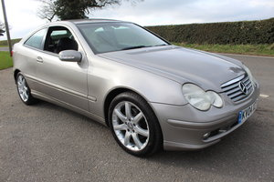 Picture of 2004 Mercedes Benz C230 Kompressor SE A Automatic For Sale