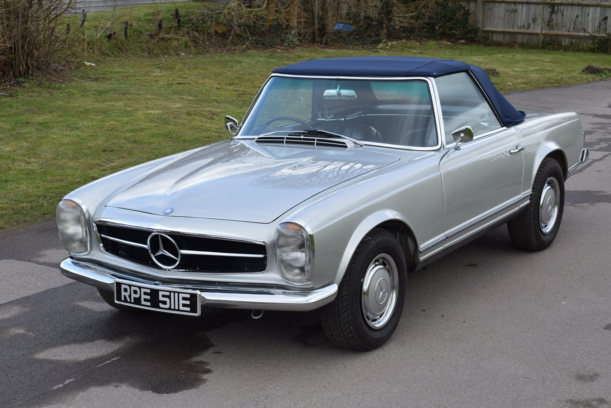 1967 MERCEDES BENZ 250 SL W113 Pagoda Original UK RHD Automatic For Sale (picture 1 of 12)