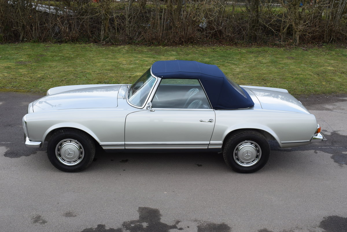 1967 MERCEDES BENZ 250 SL W113 Pagoda Original UK RHD Automatic For Sale (picture 2 of 12)