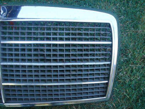 Mercedes W116 SE SEL Grille For Sale (picture 2 of 2)