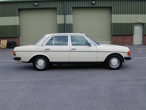1985 MERCEDES BENZ W123 SALOON COUPE ESTATE WANTED! ASAP! - ASAP! Wanted (picture 2 of 6)
