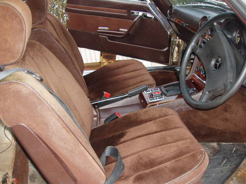 1980 Mercedes coupe for restoration(low mileage) For Sale (picture 3 of 6)
