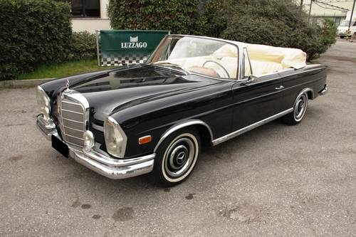 1963  Mercedes Benz - 220 SEb Cabriolet (W111) RESTORED SOLD (picture 1 of 6)