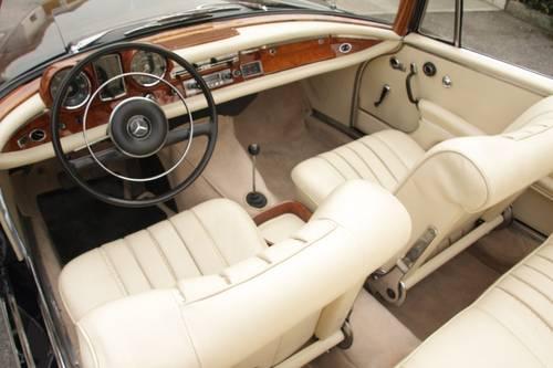 1963  Mercedes Benz - 220 SEb Cabriolet (W111) RESTORED SOLD (picture 3 of 6)
