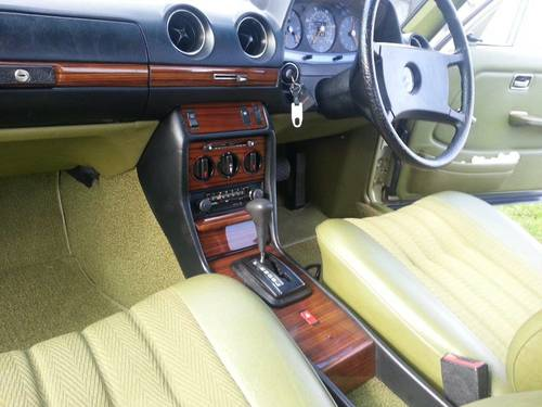 1982 MERCEDES W123 230E THISTLE GREEN 34,500 MLS SOLD | Car