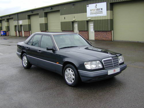 5991 MERCEDES BENZ W124 280e AUTOMATIC RHD Very low miles (29k!) For Sale (picture 1 of 6)
