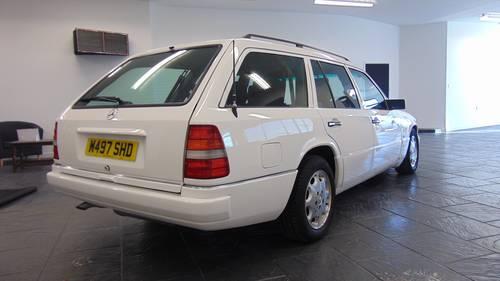1994 W124 E280 Estate 7 - Seater For Sale (picture 3 of 6)