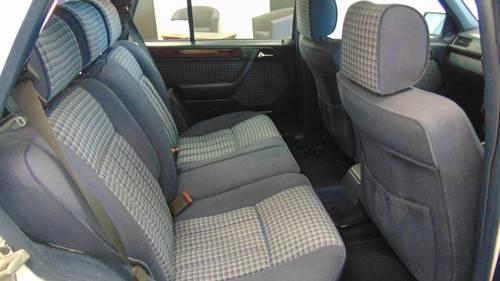 1994 W124 E280 Estate 7 - Seater For Sale (picture 5 of 6)