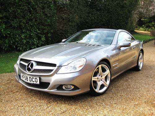 2009 Mercedes Benz SL350 AMG Sports With Pan Roof + Air Scarf For Sale (picture 1 of 6)