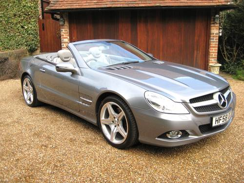 2009 Mercedes Benz SL350 AMG Sports With Pan Roof + Air Scarf For Sale (picture 2 of 6)