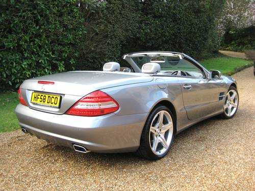 2009 Mercedes Benz SL350 AMG Sports With Pan Roof + Air Scarf For Sale (picture 5 of 6)