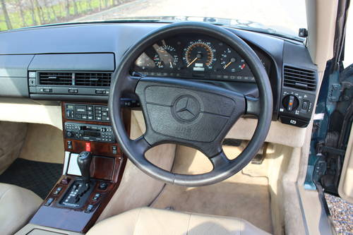 1996 Stunning SL320 with FSH bills for 10k++ Over 120 pics online For Sale (picture 5 of 6)