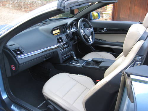 2012 Mercedes Benz E250 CDI BlueEfficiency AMG Sport Convertible For Sale (picture 3 of 6)