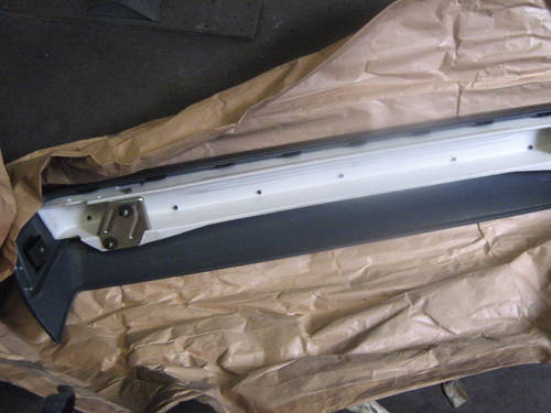 MERCEDES 190E REAR BUMPER FACE BAR WITH COVERING For Sale (picture 3 of 6)