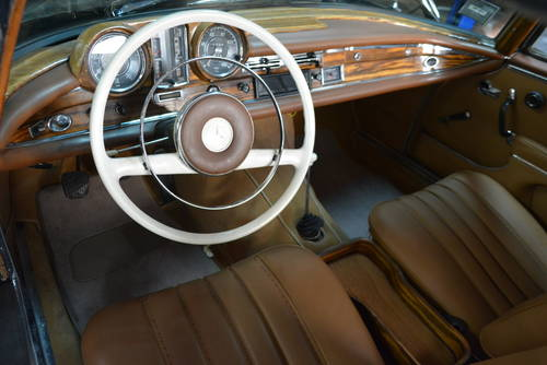 1963 Mercedes-Benz 220SE Cabriolet For Sale (picture 4 of 5)