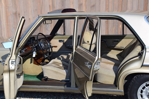 The 1971 Geneva Motor Show Mercedes 280 SE 3.5 For Sale (picture 3 of 4)