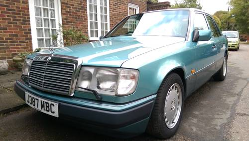 1991 Outstanding low mileage W124 300E-24 saloon For Sale (picture 3 of 6)