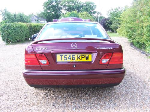 1999 Beautiful E ClASS W210 300TD For Sale (picture 3 of 6)