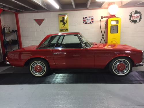 1966 Mercedes 230 SL 113 Series 'Pagoda' For Sale (picture 1 of 6)
