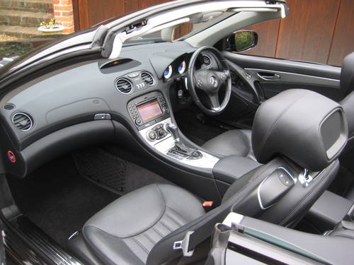 2010 Mercedes Benz SL350 AMG Sports With Pan Roof+AMG Bodystyling For Sale (picture 3 of 6)