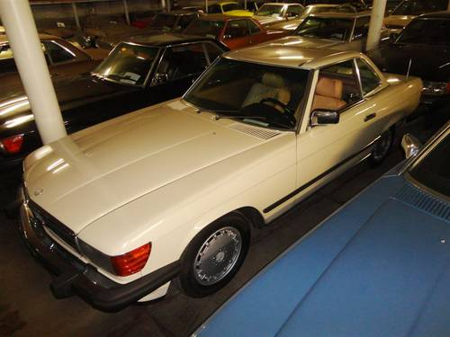 1987 Mercedes 560SL white For Sale (picture 1 of 6)