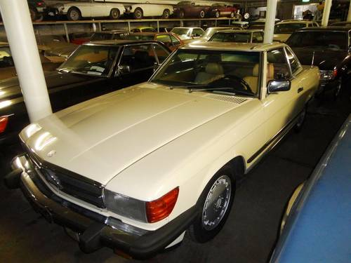 1987 Mercedes 560SL white For Sale (picture 2 of 6)
