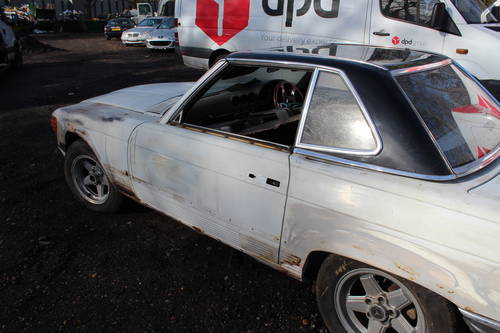 1978 2 x Mercedes SL unfinished resto - 1 x auto and 1 x manual  For Sale (picture 2 of 6)